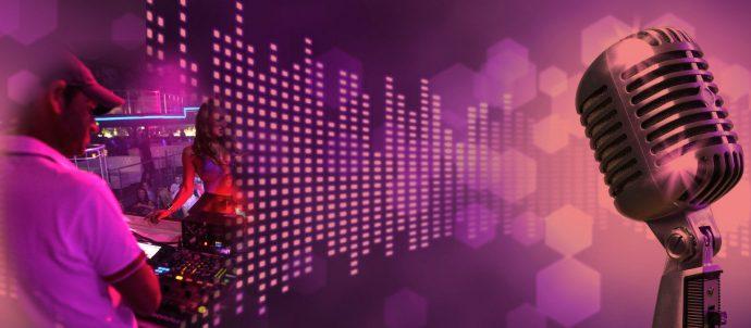 Gary Hunt Live On Chocolate Radio Monday & Saturday Mornings 1am -4am