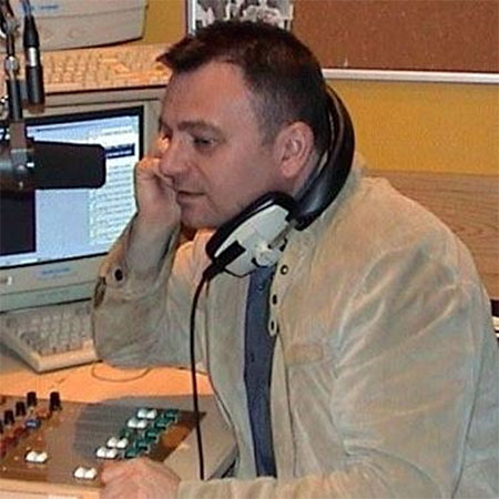 Andy Field Presents the morning show 9am-11am on Chocolate Radio Monday to Friday