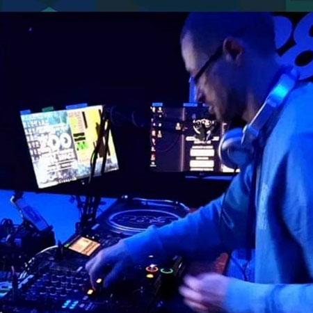Bobby J DJ Chocolate radio Saturdays 11pm-1am UK House & DnB On Chocolate Radio