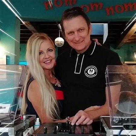 Jade & Ian the Vinyl Avengers present the Retro Soul Show Sundays 6pm-8pm on Chocolate Radio